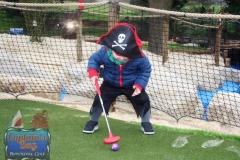 Adventure-golf-kids-play